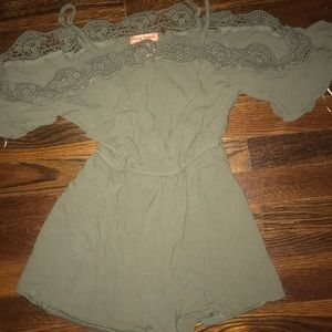 Army green romper size xs